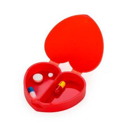 Porta comprido plástico de formato coração. Material plástico vermelho de pintura fosca, possui d...