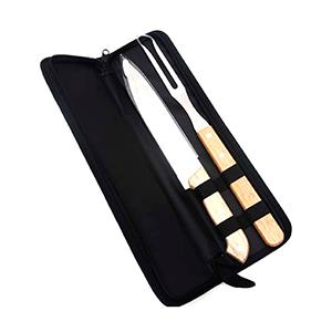 Ewox Promocional - Kit churrasco basic acompanha garfo e faca de aço inox com cabo em madeira, acomodado em estojo de nylon com zíper. Peso: 303 Tamanho: 35,5 cm x 9,5 c...