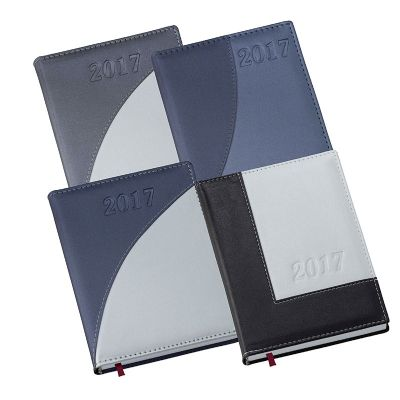 - Agenda diária com capa metalizada. - Capa de couro sintético 0,6 mm  - Miolo Papel Off-set 63g.  - Índice telefônico planejamento mapa em papel couchê...