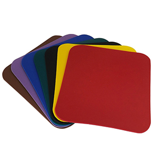 - Mouse pad em couro sintético.