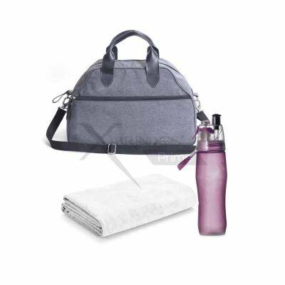 - Kit fitness com bolsa, squeeze e toalha.
