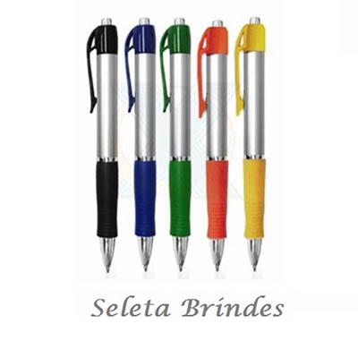 Seleta Brindes - Caneta plástica com detalhe emborrachado.
