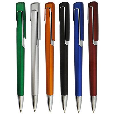rf-canetas-e-brindes - Caneta de plástico. Medida para gravação: 8,5 X 3,5cm tamanho total: 14,0 X 3,5cm. várias cores disponíveis. Quantidade mínima: 500 peças