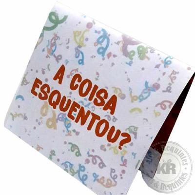 Kits & Requintes - Cartão (envelope) papel 180g (Tamanho: 6cm A x 7,52cm L), personalizado, contendo 1 preservativo masculino. A marca do preservativo pode variar confor...