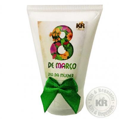 Kits & Requintes - Frasco plástico 60ml, rótulo personalizado e fita. Também temos Frasco de 30ml. Consulte preço.