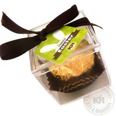 Kits & Requintes - 1 bombom Ferrero Rocher na caixa acrílica (3cm x 3cm x 3cm) com fita colorida e Tag personalizada.