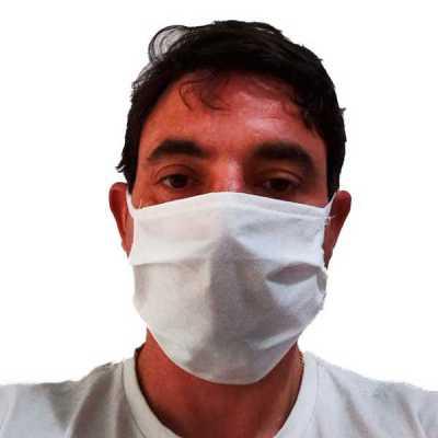 Máscara TNT 40 tripla sem clipe nasal