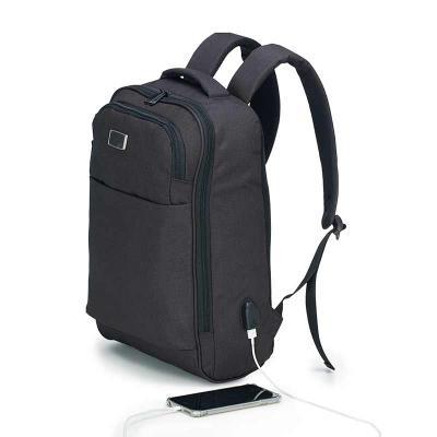 2 Compartimentos. Costado e alças espumadas. Bolso Frontal com zíper. Porta Notebook. Material: Nylon 600D Laser na plaquinha Medidas: 34 cm compr. X...