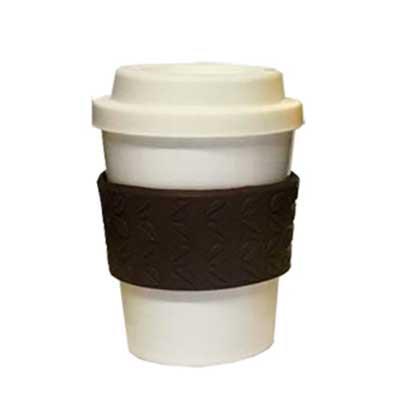 - Copo 300ml com tampa e luva grão de café.