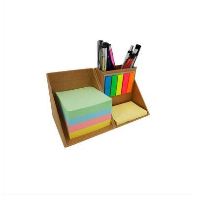 Bloco de anotações personalizado. Ecológico com sticky notes, marcadores de página coloridos e porta canetas.