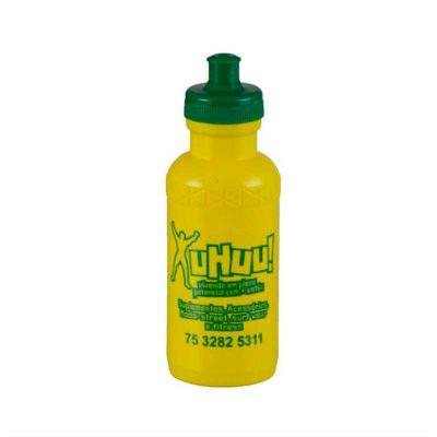 No Ato Brindes - Squeeze plástico personalizado com capacidade de 500 ml e o produto é personalizado em silk.