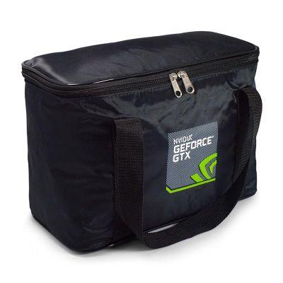 Direct Brindes Personalizados - Bolsa térmica capacidade 10 litros. Confeccionada em Nylon 70 plastificado. Acabamento interno em pvc carmuça 013, e externo em vivo com alças de nylo...