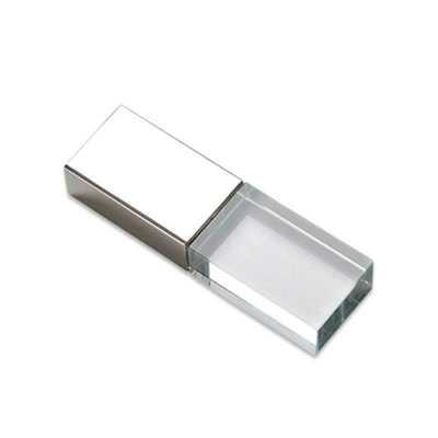 Pen drive 4GB de vidro com tampa plástica prata espelhada.