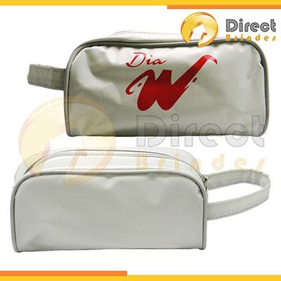 Direct Brindes Personalizados - Nécessaire em nylon, plastificado, com alça de mão no mesmo material. Pode ser feita em várias cores