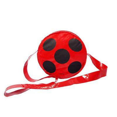 Bolsa infantil Poly Bag confeccionadas em PVC brilho nas medidas de 13,5 cm de diametro x 4 cm de altura ( fole )