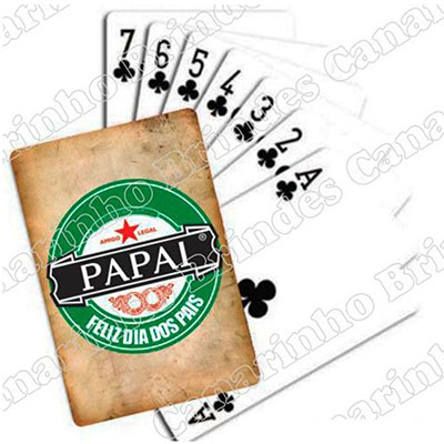 - Baralho personalizado em papel triplex especial estampado com sua marca nas cartas e na caixa.