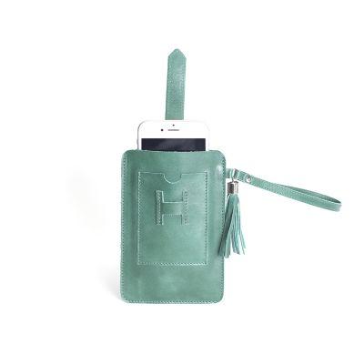 alvo-couros - O porta-celular/ carteira possui o espaço suficiente para guardar todos os pertences que você precisar em sua rotina e conservá-los com segurança com...