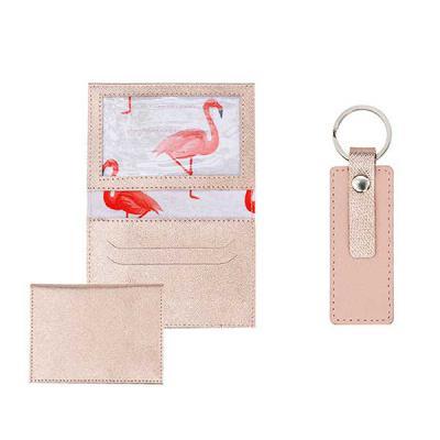 alvo-couros - Kit feminino fantástico possui um prático porta documento em couro com detalhes em transfer rose e  um charmoso chaveiro. Um incrível presente persona...