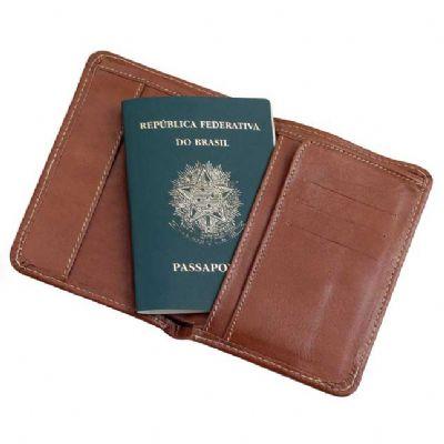 Porta passaporte em couro com divisórias. - Alvo Couros