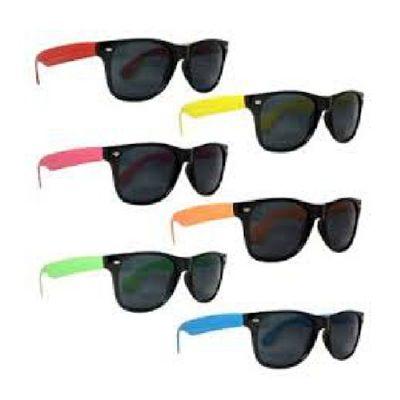 topy-10-brindes - Óculos de sol estilo Rayban Wayfarer
