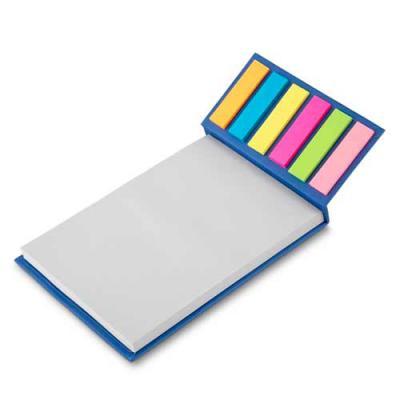 Bloco de anotações ecológico com sticky notes. Capa colorida, possui 6 bloquinhos autocolantes coloridos com aproximadamente 20 folhas e bloco branco... - 3RC Brindes
