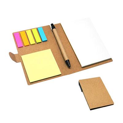 Bloco de anotação com sticky notes e caneta, material reciclado.