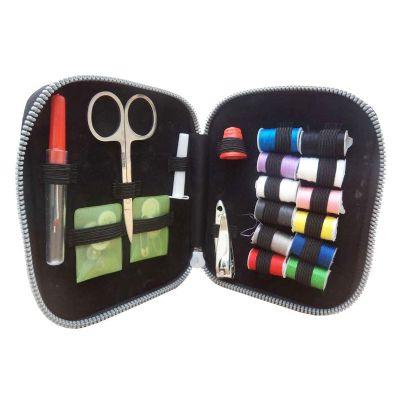 Kit de costura com estojo sintético