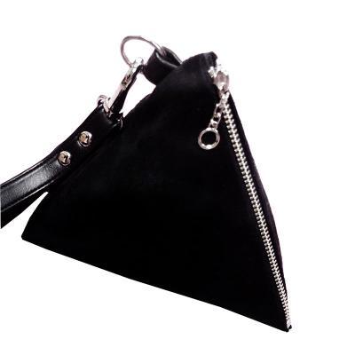 brindes-e-ideias - Porta moeda triangular personalizada.   Valor do milheiro com 1 cor de personalização 1300,00