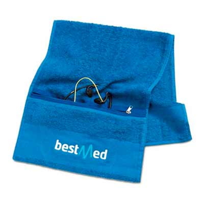 Brindes e Ideias - Toalha fitness com bolso e zíper, tamanho 20 cm x 100 cm ou tamanho opcional, com impressão no silk ou bordada.