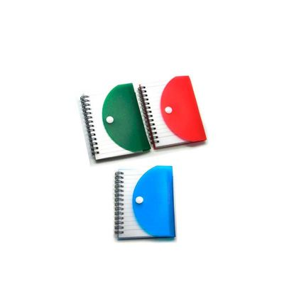 Bloco de anotações personalizado com capa de plástico.