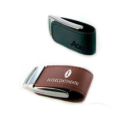 Pen drive Couro Brinde Promocional | Pen drive personalizado. Feito em couro com capacidade de 8GB. Impressão da logo em laser, o produto é embalado individualmente em sacos plásticos. É o brinde ideal para fidelizar clientes. | ST PROMO COUR8GB