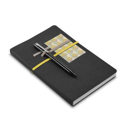 Caderno em couro sintético com folhas não pautadas
