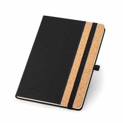 Caderno capa dura. Cortiça e PU. 96 folhas pautadas cor marfim. Suporte para esferográfica e band...