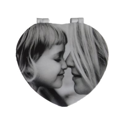 santa-ana-design - Espelho no formato de coração.