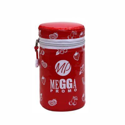 megga-promo - Produzida no PVC Brilho 020 mm color, PVC Leitoso 018 mm (forro), zíper nylon, cursor niquelado, espuma térmica. Medidas, 10 cm de diâmetro x 16 cm de...