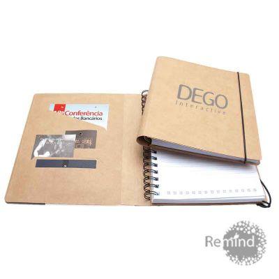 Remind Brindes Inteligentes - Caderno com capa Kraft com fecho de elástico com bolsas internas