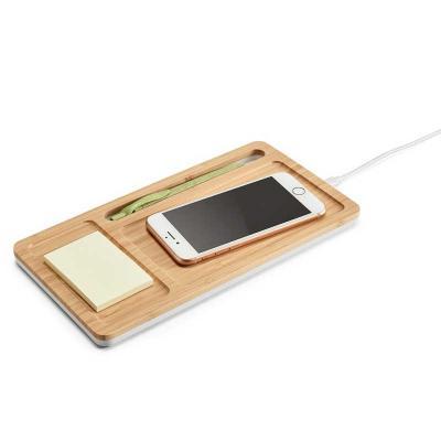 Organizador de mesa de bambu e ABS. Carregador wireless, hub USB e suporte para celular. Entrada ...