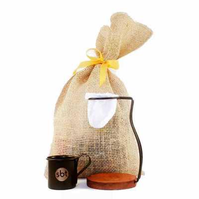 Mini Coador de café personalizado com suporte de metal embalado no saquinho de juta. Ideal para um delicioso cafezinho feito na hora e sem desperdício... - Brindes de Luxo