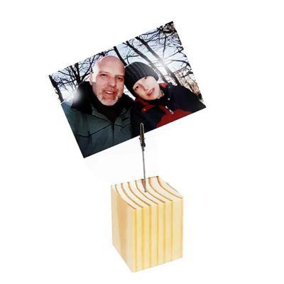 studio-blomma - Porta recados de madeira de reflorestamento. Guarde lembretes, fotos, recados, cartões em um lindo organizador de mesa. 7 x 7 x8  cm – Tamanho único M...