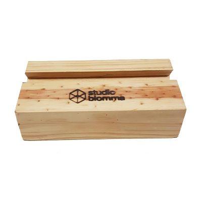 studio-blomma - Porta tablet de madeira maciça.