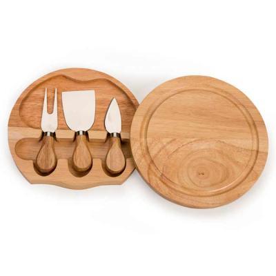 Kit queijo 3 peças com tábua de madeira, possui detalhe circular em relevo na parte superior e pa...