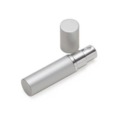 MR Cooler - Porta perfume 5ml prata de metal, frasco(acrílico) pode ser removido do estojo e basta borrifar para funcionamento, possui tampa.