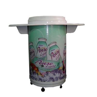 Cooler Balcão Personalizado 75/100 latas c/ rodizios, cuba moldada em poliestileno (PSAI) de alto impacto. Isolante térmico de isopor prensado com 60... - MR Cooler