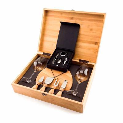 Caixa em Bambu para presente com kit para queijo, kit para vinho e taças. 11 peças