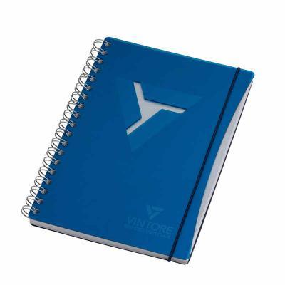 Caderno - formato 180 x 250 mm Capa em acrílico e contra capa em cartão revestido com papeis espe...