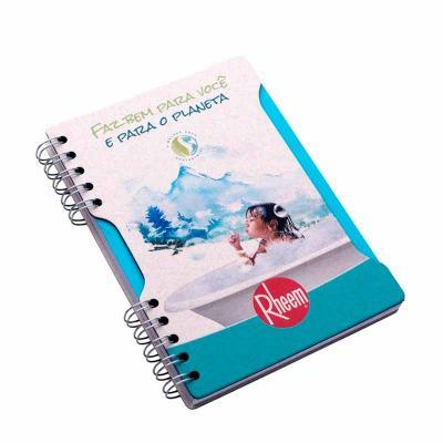 Caderno Capa: 180 x 250 mm, contra capa cartão revestido com papeis especiais. Miolo: 200 x 270 m...