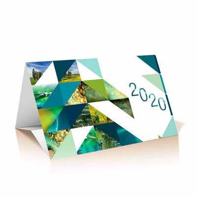Cartão calendário. Papel supremo, 250 gramas. Formato fechado:17,5 x 11,5 cm. Fornecido em envelo...