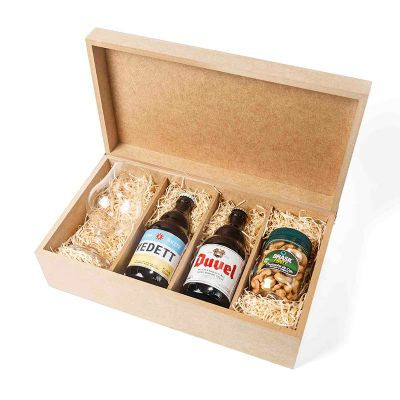 Kit com cervejas e taça personalizada - Amélio Presentes