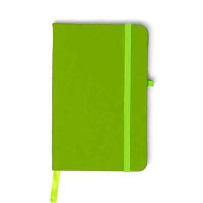 msn-brindes - Caderneta emborrachada com porta caneta elástico em nylon, marcador de página em cetim e fita elástica de nylon para fechar. Contém aproximadamente 80...