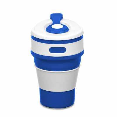 """Copo retrátil 350ml de silicone, livre de BPA. Tampa plástica de encaixe com abertura para o bocal, acompanha """"luva"""" plástica branca, evitando queimar... - MSN Brindes"""